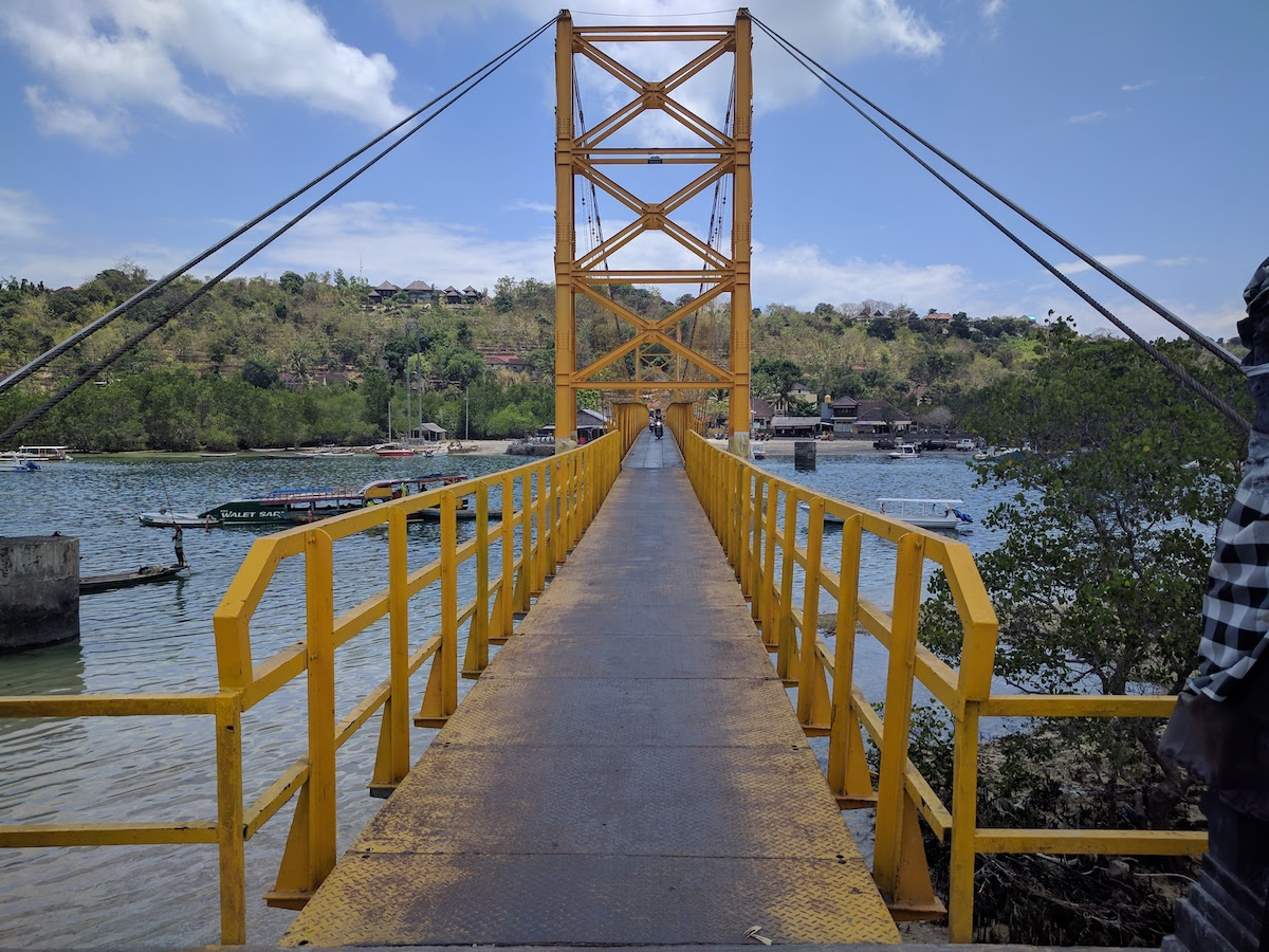 Yellow Bridge to Cenida